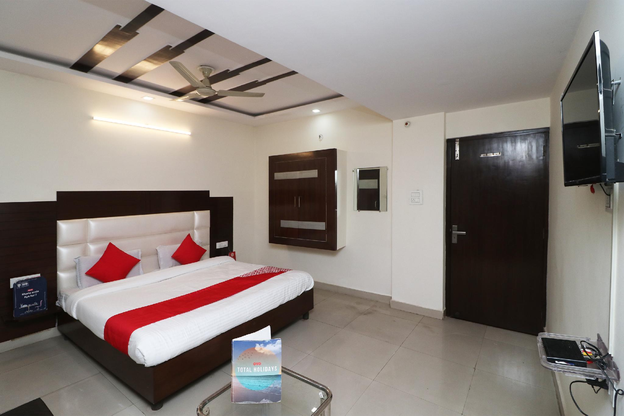 OYO 29028 Hotel Rajpushp