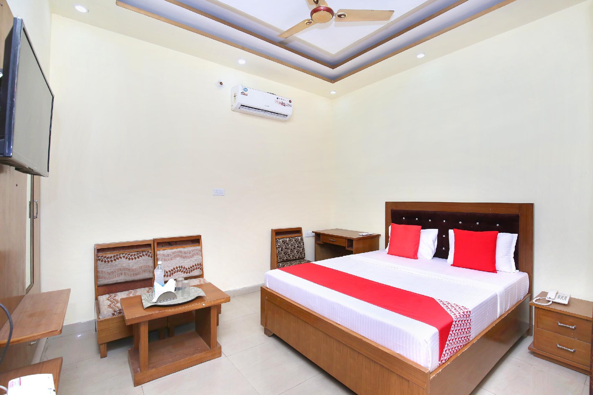 OYO 23101 Hotel Amarpali