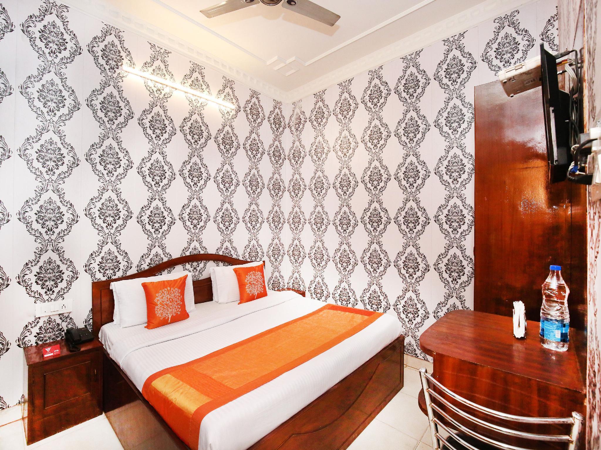 OYO 10504 Hotel Golden Heritage