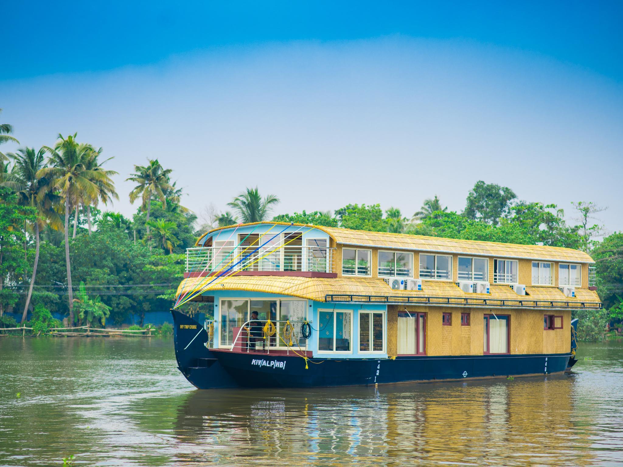 OYO 24058 Houseboat My Trip 3bhk Luxury