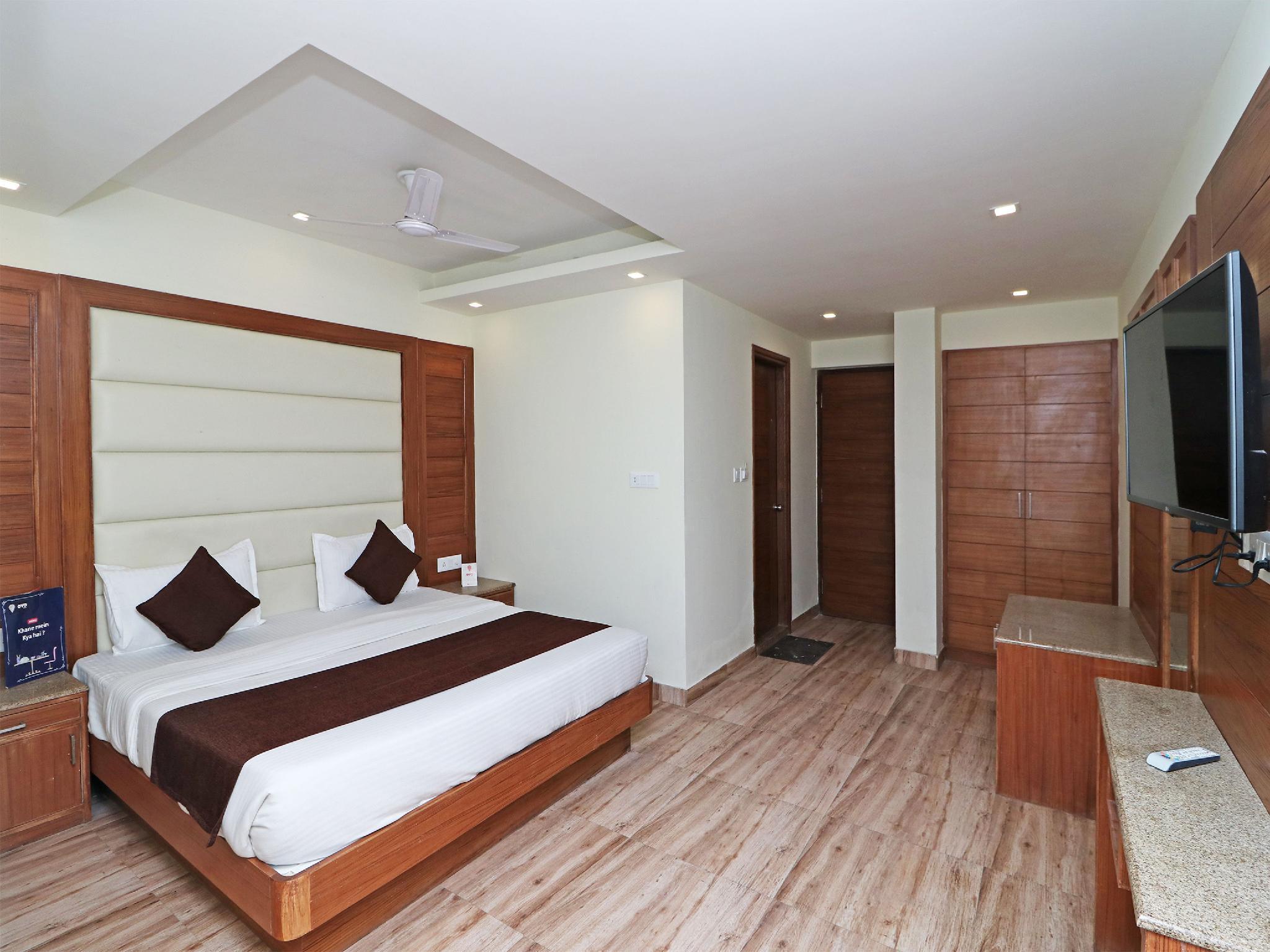 OYO 13908 Hotel India