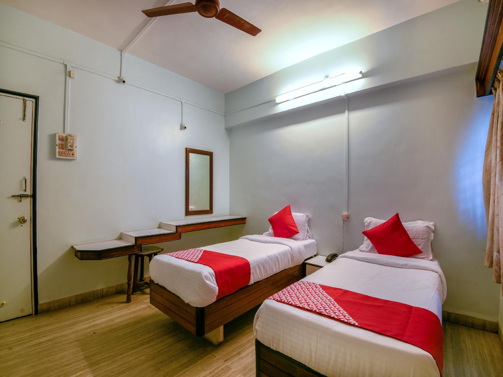 OYO 15199 Hotel Shree Maya
