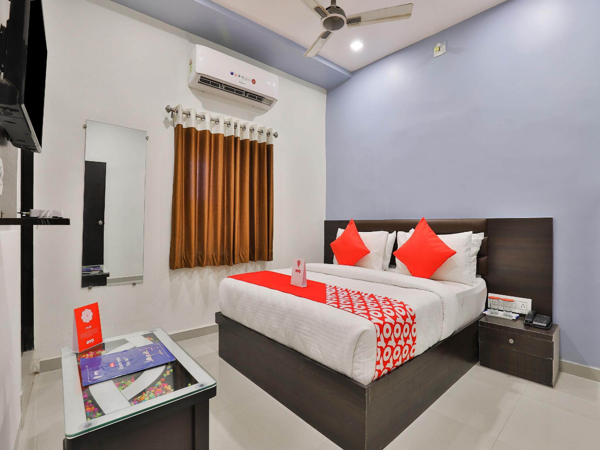 OYO 16383 Raj Palace