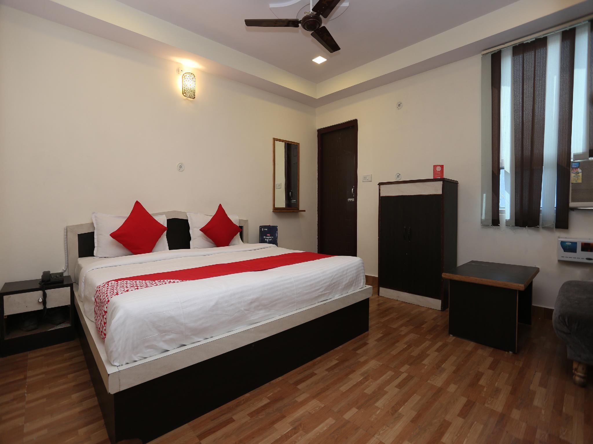 OYO 22662 Hotel Shivam