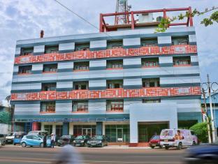 Clarion Hub Hotel