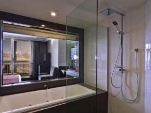 Hotel Grand Chancellor Surfers Paradise Gold Coast - Premium Spa Room Bathroom
