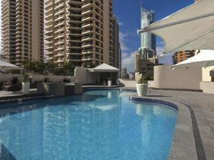 Hotel Grand Chancellor Surfers Paradise Gold Coast - Pool