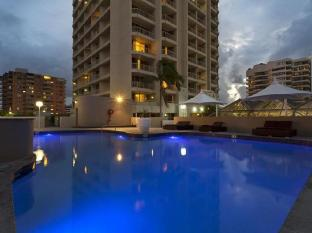 Hotel Grand Chancellor Surfers Paradise Gold Coast - Swimming Pool