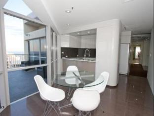 Hotel Grand Chancellor Surfers Paradise Gold Coast - Guest Room