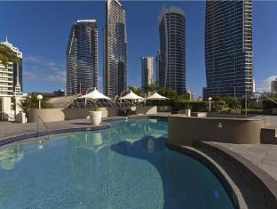 Hotel Grand Chancellor Surfers Paradise Gold Coast - Deluxe King Family