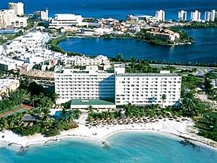 Beachscape Kin Ha Villas and Suites Cancun