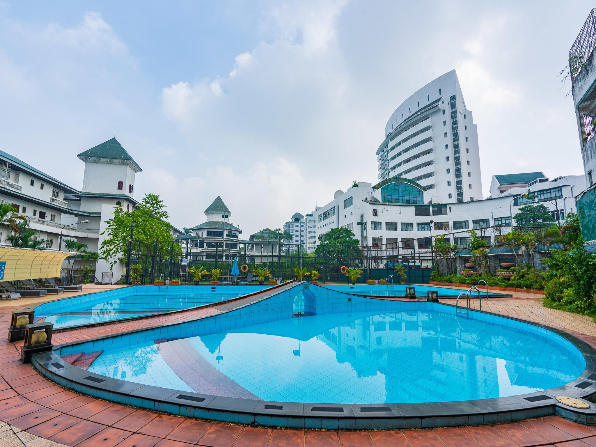 ONE BEDROOM FOR COUPLE NEAR WEST LAKE