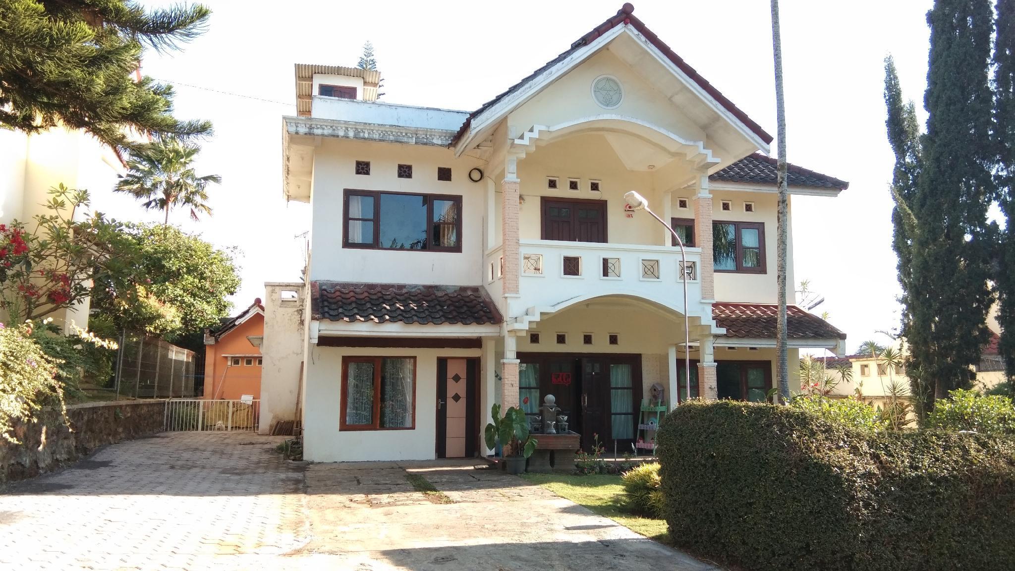 Villa Agro Batu Malang   Blessed Villa