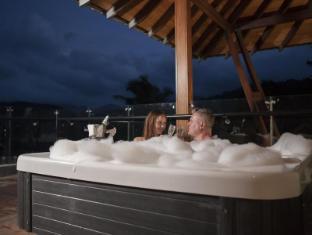 Earl's Regency Hotel Kandy - Hot Tub