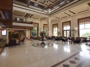 Earl's Regency Hotel Kandy - Lobby