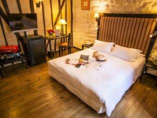 Hotel Europe Saint Severin Paris - Guest Room