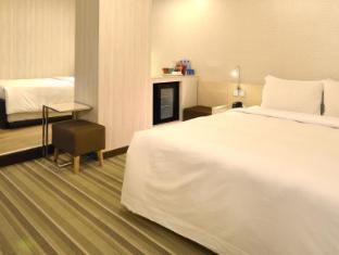 YOMI Hotel Taipei - Deluxe triple room