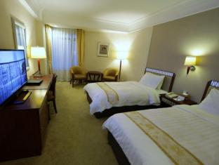 Golden Dragon Hotel Macau - Standard Twin
