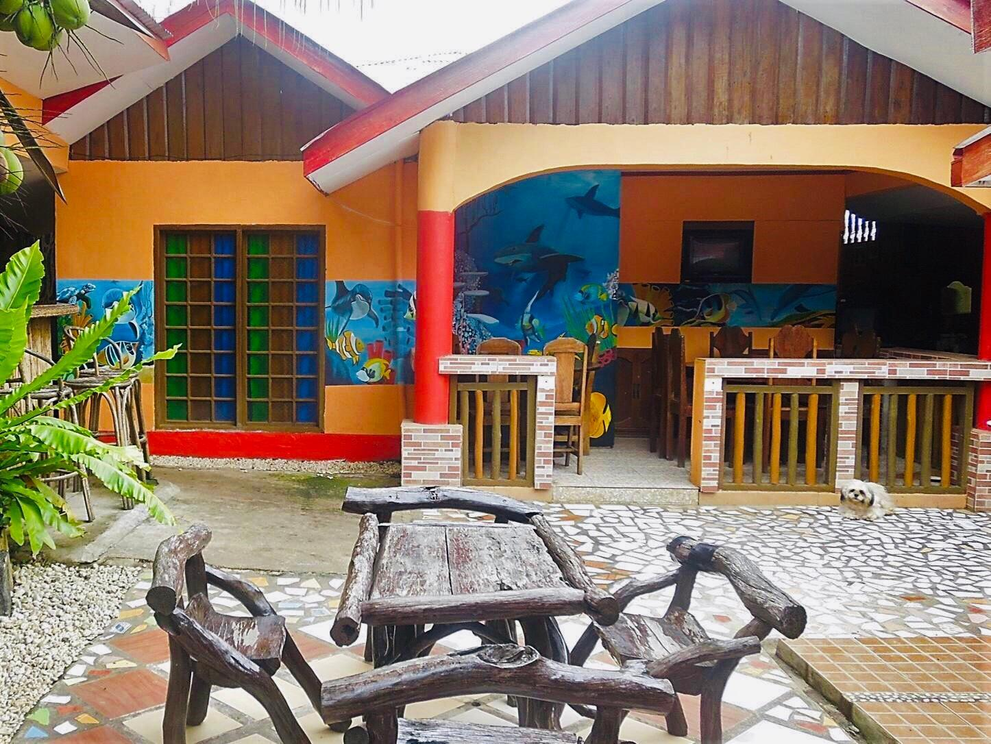Gracia's Budget Inn