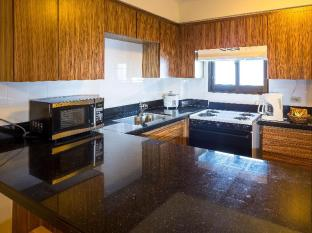 Oceanview Hotel & Residences Guam - Kitchen