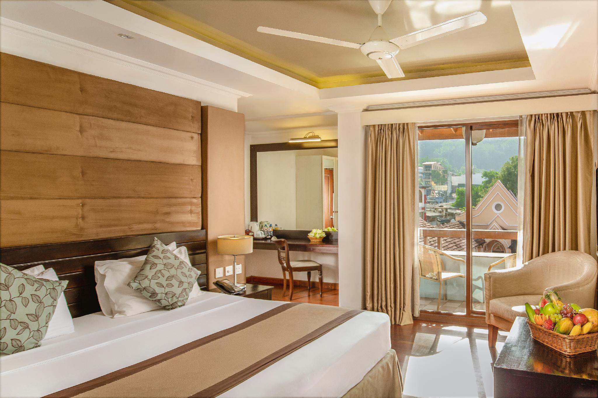Kandy City Hotel By Earl's