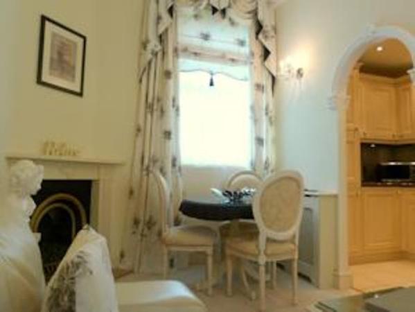 Hesketh Crescent Apartment Torquay