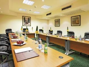 Moevenpick Resort Cairo Pyramids Cairo - Meeting Room