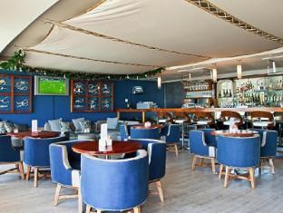 Lagoon Beach Hotel and Spa Cape Town - Interior