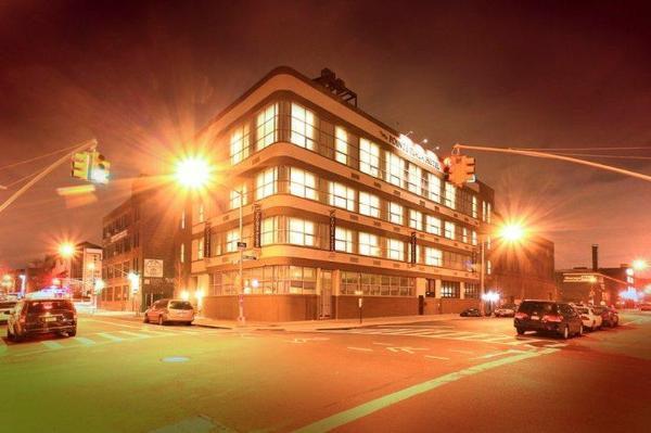 Pointe Plaza Hotel New York
