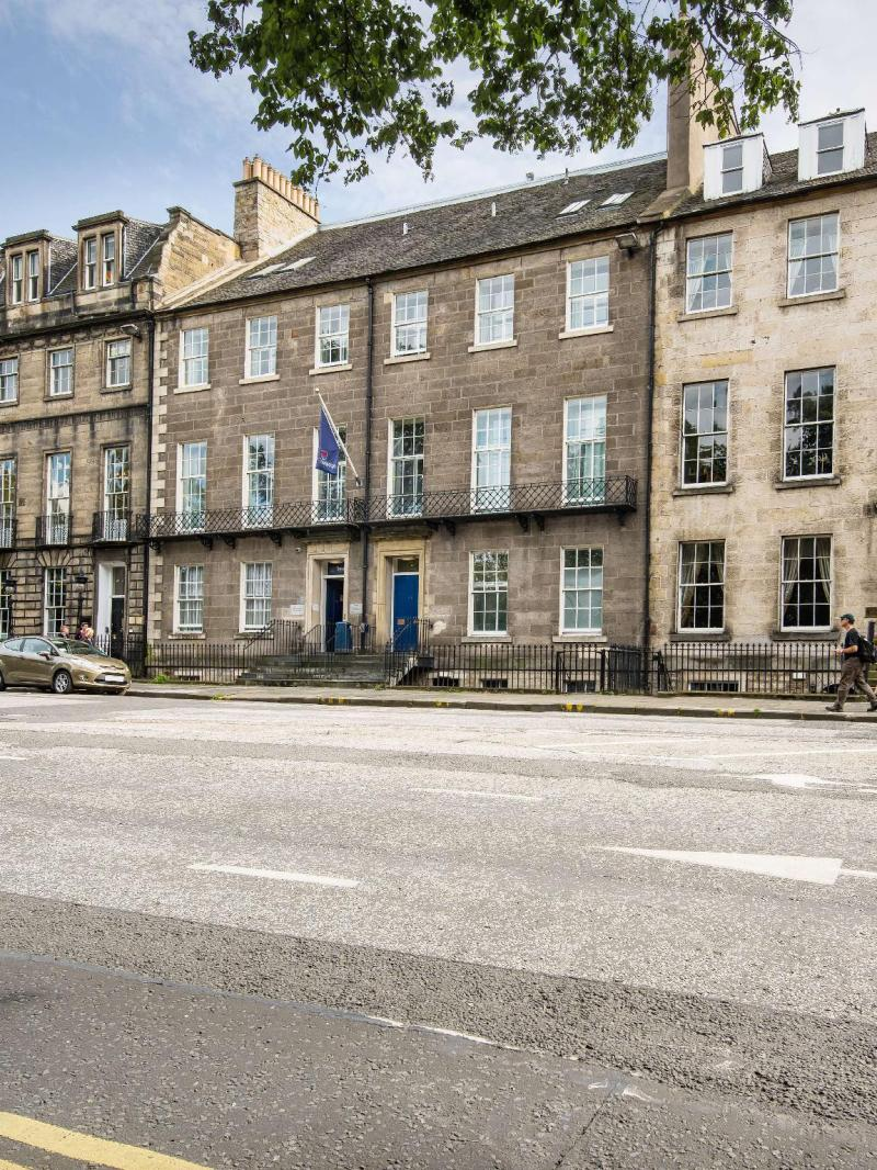 Travelodge Edinburgh Central Queen Street