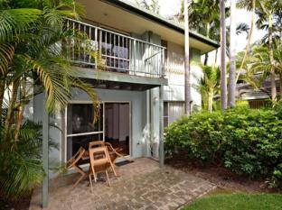 Diggers Beach Villa at Aanuka Resort