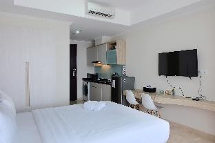 Фото отеля Comfy Studio Menteng Park Apartment By Travelio
