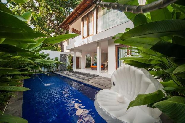 Two bdrm Stylish Villa Pearl, Heart of Seminyak