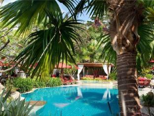 Rocky's Boutique Resort Samui - Beach Pool