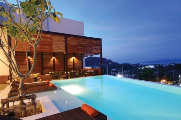 The Quarter 408 - Seaview Duplex in Surin Phuket