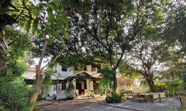 24 Samsen Heritage House Bangkok