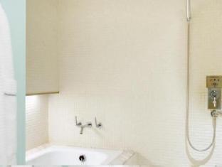 Ambience Hotel Taipei - Bathroom