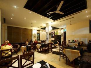 Ajanta Hotel New Delhi and NCR - Cafe vagabond
