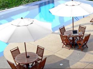 Impiana KLCC Hotel Kuala Lumpur - Infinity swimming pool