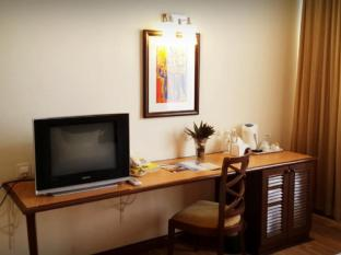 Brisdale Hotel Kuala Lumpur - Amenities in newly refurbished room
