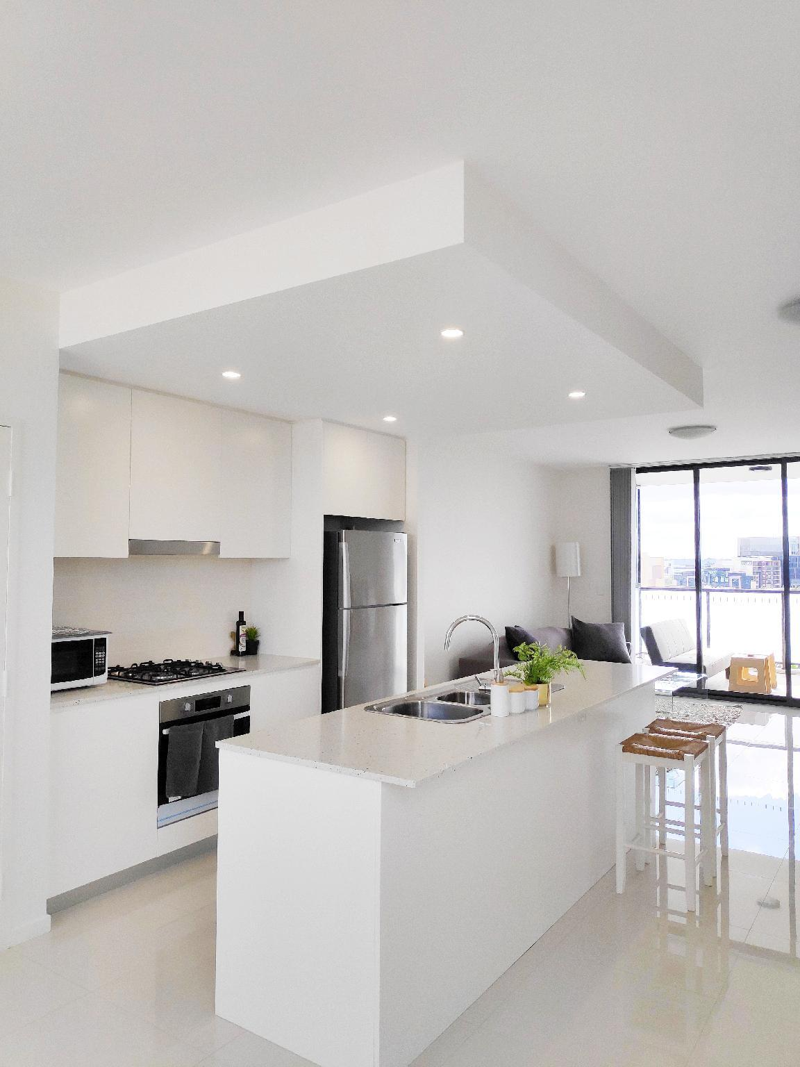 Stylish 2Bed 2Bath Apt  Breakfast + View Included