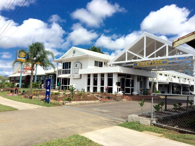 Cairns New Chalon Motel – Reviews, Picture, Rates & Deals