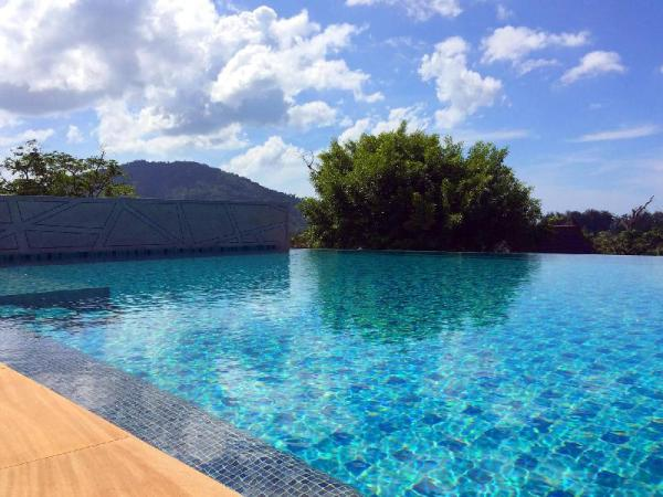 Wow 2 Br Apt Seaview, Pool, Gym Phuket
