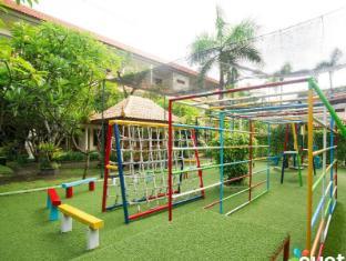 Febri's Hotel & Spa Bali - igrišče
