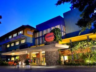 HARRIS Resort Kuta Beach Bali - Exterior