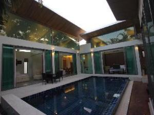 Areca Pool Villa