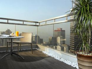 Lan Kwai Fong Hotel @ Kau U Fong Hong Kong - Balcony of Harbour View Suite
