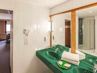 Ibis Praha Old Town Hotel Prague - Bathroom