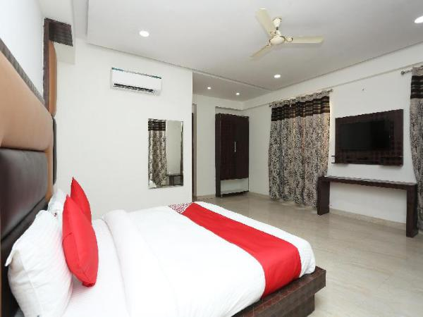 OYO 22956 Grand Residency New Delhi and NCR