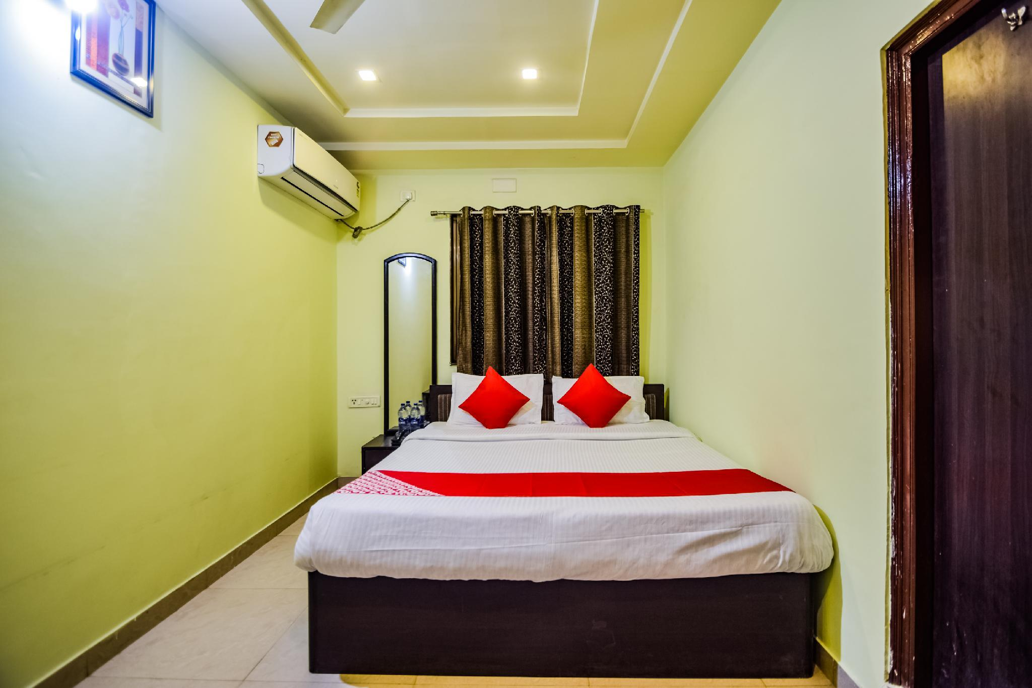 OYO 36444 Hotel Prabhave And Dining Hall